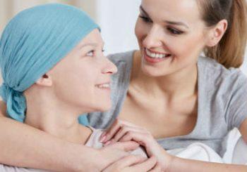Como os familiares podem ajudar pacientes com câncer?